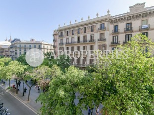 Modernist apartment for sale in the emblematic Rambla Catalunya