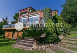 Spectacular luxurious house with views in Vallvidrera for rent