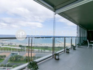 An exclusive apartment for sale with excellent sea views in Diagonal Mar