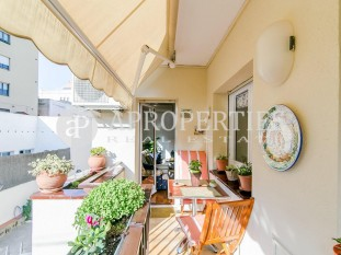 Apartment for sale with terrace and communal pool in Mandri area