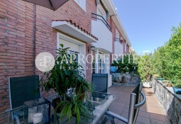 Spectacular house for sale in Esplugues