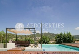 Stunning and luxurious house for rent in Sant Just Desvern