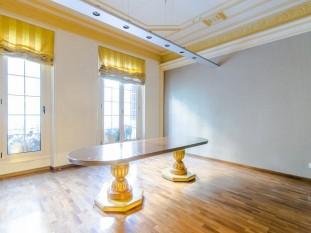 Refurbished apartment for sale in Eixample Dret