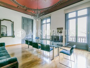 Spectacular property for sale with many possibilities in Quadrat d'Or, Barcelona