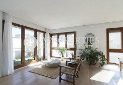Magnificent furbished apartment for rent in Galvany