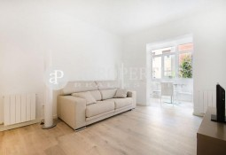 Designer refurbished apartment for rent in Sant Gervasi