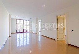 Bright apartment next to Paseo de Gracia for rent