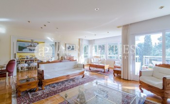 Apartment for sale with swimming pool in Pedralbes