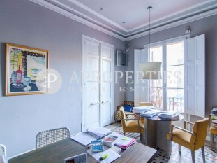 Fantastic modernist and charming apartment in Rambla Catalunya, for sale