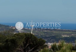 House for sale with many possibilities in Sarria with spectacular views overlooking Barcelona