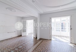 Great apartment for rent in the heart of Eixample