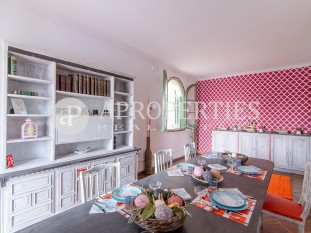 Cozy apartment with terrace for sale in Galvany