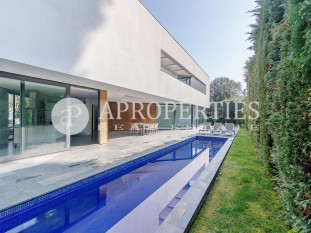 Exclusive luxury house for rent in the center of Sant Cugat