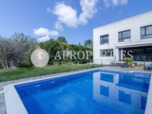 House with views to Collserola and excellent brightness, for sale