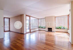 Magnificent apartment for sale in a quiet area, close to Turó Park