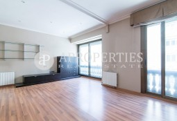 Elegant apartment in Balmes street for sale