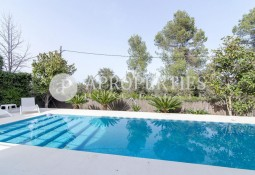 Beautiful villa for rent in Sant Cugat