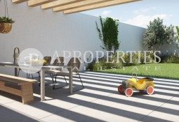 Ground floor with garden for sale in Camp de l'Arpa, Barcelona