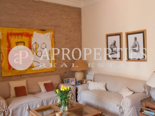 Wonderful sunny apartment for sale in Eixample Esquerre