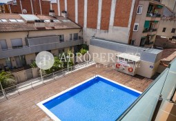 Duplex for rent with communal pool and parking in Sant Cugat del Valles