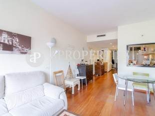 Functional flat for sale in the heart of Eixample esquerre