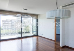 Exclusive flat for rent with pool in Pedralbes
