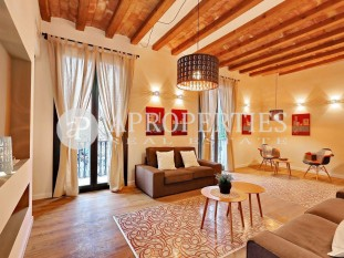 Luminous brand new apartment for sale with views to Plaça del Molino, in Poble Sec