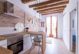 Lovely and renovated apartment for rent in Raval district