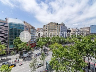 Great flat to be refurbished in Passeig de Gràcia for sale