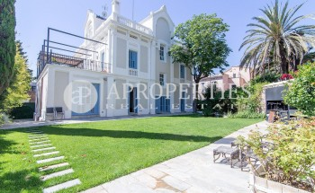 Stately house for rent in zona alta of Barcelona