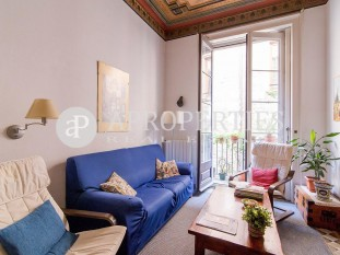 Charming flat for sale in Gòtic neighborhood and a few meters from The Cathedral of Barcelona