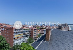 High and bright apartment in Tres Torres for rent