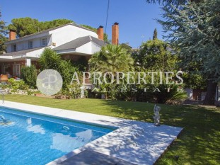 Beautiful house for sale with pool in Bellaterra