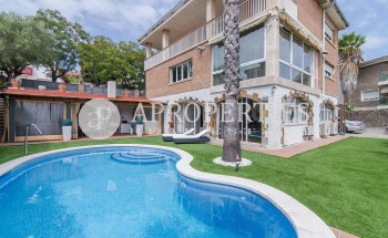House with pool in Sant Just Desvern for sale