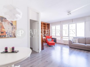 Furnished apartment for sale in the Eixample Esquerre