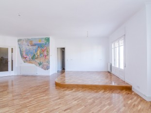Refurbished penthouse for sale in Sarriá