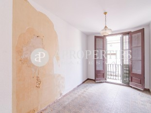 Apartment to reform in el Gòtic, for sale