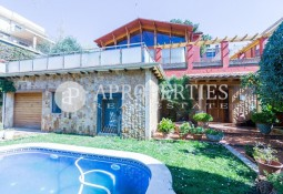 Wonderful house in La Miranda, Esplugues de Llobregat
