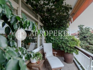 Bright and spacious apartment for sale in Tres Torres, Barcelona