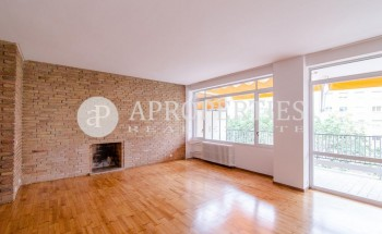 Large apartment for rent in the area of Prat de la Riba in Barcelona