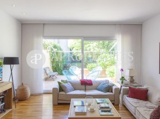 Cozy detached house for sale in Eixample district of Sant Cugat del Vallès