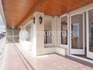 Wonderful bright and spacious apartment for rent in the upper area of Barcelona