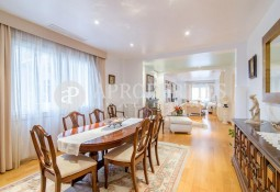 Magnificent and refurbished flat for sale in Balmes, Barcelona