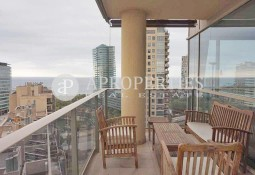 Exclusive property for rent in Illa del Llac complex in Diagonal Mar (Barcelona)