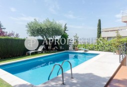 Spectacular house for sale with elevator and pool in Bellsoleig, Sant Just