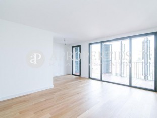 Magnificent new apartment for sale with terrace and lots of light in Rambla Catalunya, Barcelona
