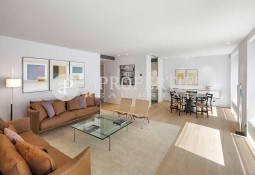 Penthouse in luxury housing development close to Paseo de Gracia, Barcelona