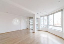 Beautiful refurbished apartment for rent in Galvany, Barcelona