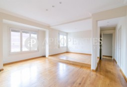 Beautiful apartment for rent in Galvany, Barcelona