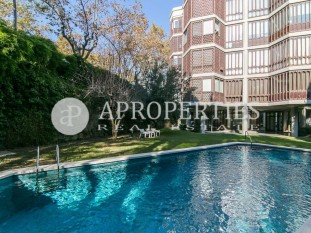 Beautiful refurbished apartment for sale in the best area of Pedralbes, Barcelona